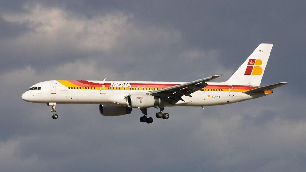 1280px-Boeing_757-256_-_Iberia_-_EC-HIS_-_LEMD_-_200503051655