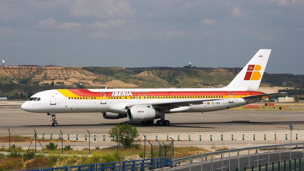Boeing_757-256_-_Iberia_-_EC-HDR_-_LEMD